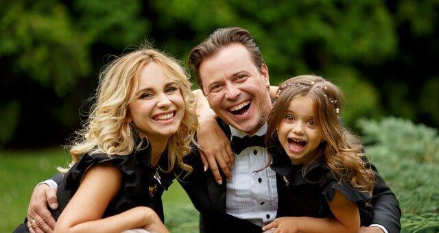 Лилия Ребрик с мужем и дочерью