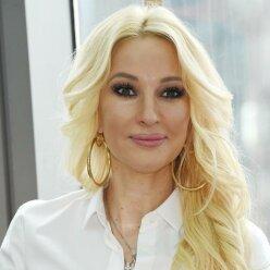 """Лера Кудрявцева выпустила дебютную песню: """"если честно, так себе"""""""