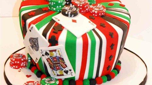 Мы все любим сладкое: шоколад, кексы, конфеты и особенно торты! Помимо незаменимых и вкусных Наполео