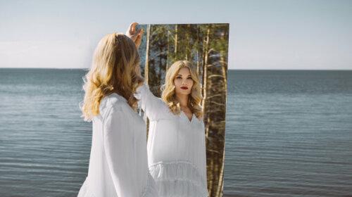 «Найбільше щастя»: Лідія Таран, яка засвітила вагітний животик, ошелешила фото з пологового будинку - щаслива матуся