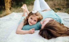a57ed068a1e3e1d362e356d26008e08d—mother-and-daughter-photoshoot-mother-daughter-maternity-phot