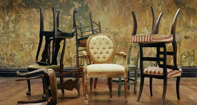 Choose furniture