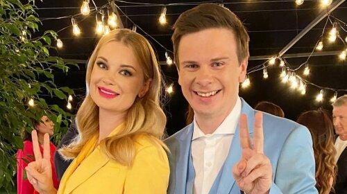 Лідія Таран і Дмитро Комаров захопили ідеальними парним виходом в яскравих літніх костюмах (фото)
