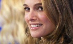 Скарлетт Йоханссон признали обладательницей самых красивых губ в мире