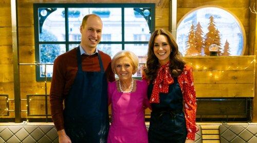 В червоній різдвяній сукні: Кейт Міддлтон і принц Вільям взяли участь телевізійному кулінарному шоу