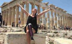 Вдохновляющий пример: девушка с протезом объехала всю Европу и завела travel-блог