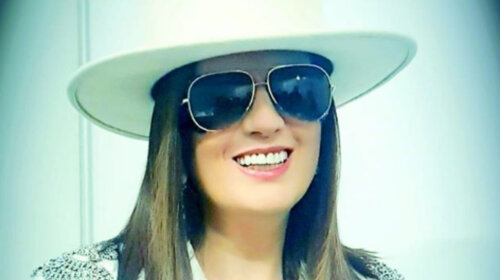 Певица Диана Гурцкая впервые показала лицо без черных очков: такая красивая (ФОТО)