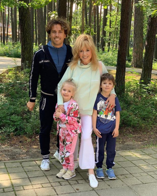 Он был совсем маленьким: Алла Пугачева сообщила о смерти сына