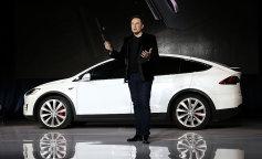 Tesla Model S: експерт розповів про плюси і мінуси електромобіля