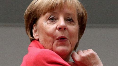Ангела Меркель и другие женщины-политики, которых застукали в купальниках (ФОТО)
