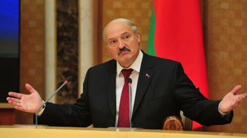 Мінська студентка намалювала портрет Лукашенка своїми грудьми
