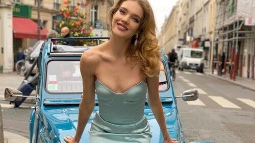 В'язані шкарпетки і просте плаття: Наталія Водянова умилила Мережа домашнім вбранням (ФОТО)