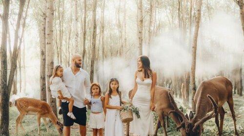 """""""Як з казки"""": Оксана Самойлова влаштувала сімейну фотосесію з Джиганом і підростаючими доньками – знову ідеальна сім'я"""