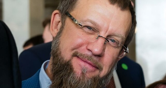 Евгений Петруняк, фото, видео, переписки нардепов