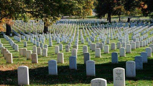 Специалисты рассказали о приметах на похоронах, которых лучше придерживаться, чтобы избежать неприятностей