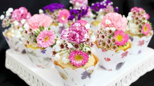 food with fresh flowers1