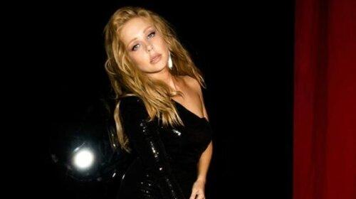 Тина Кароль после горячей фотосессии без трусиков нарвалась на жесткую критику: «Не делай из себя Настю Каменских…»
