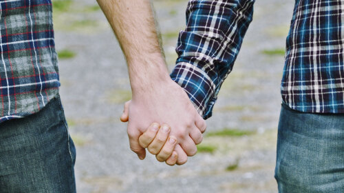 Впервые в истории Британии гомосексуальным парам будут бесплатно предоставлять услуги ЭКО