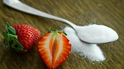 Доктор Комаровський назвав ТОП-9 проблем зі здоров'ям, які викликає цукор