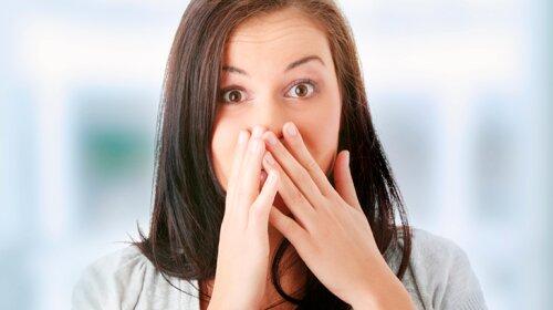Поела чеснок, а под рукой нет зубной щетки? ТОП-3 быстрых способов  избавиться от чесночного запаха изо рта