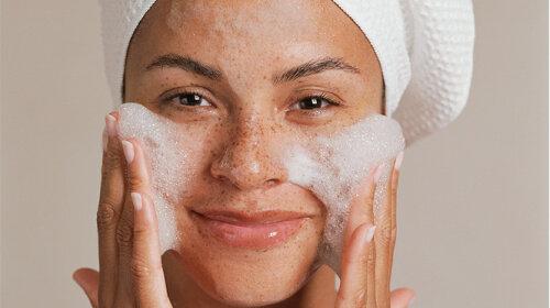 Как правильно смывать макияж: секреты и подсказки от специалистов