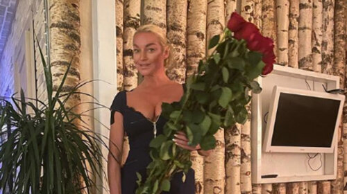 Нашла дочери отчима-качка: Анастасия Волочкова «охмурила» тренера и показала процесс в Instagram – без стыда не взглянешь (Видео)