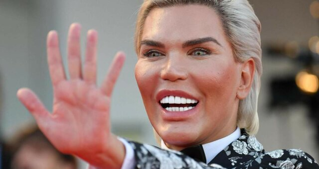 живой кен, сменил пол, стал женщиной, трансгендер, фото