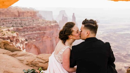 Hearnes-Elopement-Photography-Moab-Utah-Wedding-Canyonlands-National-Park-42