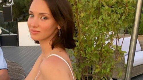 «Размер 5-й, не меньше»: Татьяна Денисова из «Танцюють всі» вывалила огромные «дыньки» на глазах тысяч людей – слишком горячо