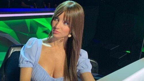 Засветила самое интимное: Татьяна Денисова из «Танцюють всі» вкарабкалась на подоконник ради соблазнительного кадра – «как это развидеть?»