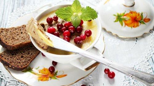 Краща закуска для Новорічного меню: ніжний паштет з журавлиною і горіхами