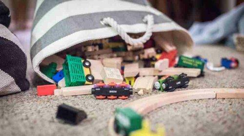 что замедляет развитие ребенка какими игрушками надо играть