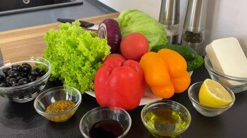 Хрустящий свежий салат с оригинальной пикантной заправкой - сочный и очень красивый