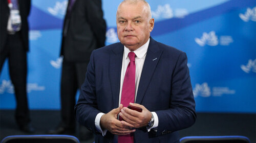 Иван Ургант жестко подшутил над Дмитрием Киселевым