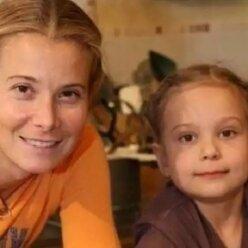 Трагедия в семье Кончаловских: старшая дочь Юлии Высоцкой впала в кому 6 лет назад