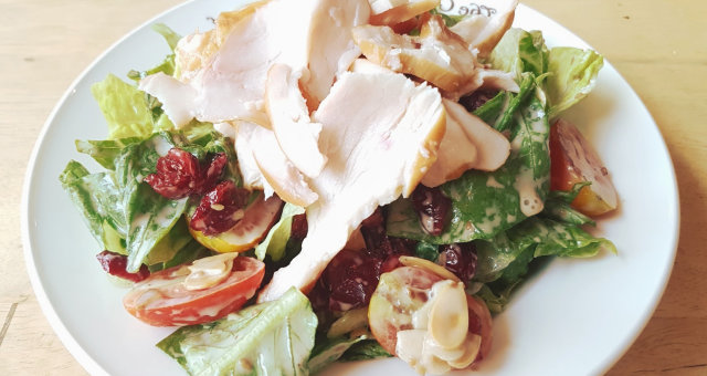 Рецепты салата с копченой курицей