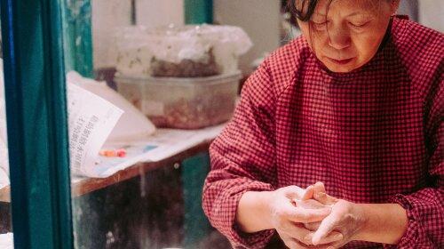 У Китаї прийомну матір 118 дітей засудили до 20 років позбавлення волі