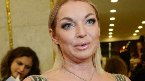 Анастасия Волочкова, балерина, звезда поперечного шпагата снова в деле