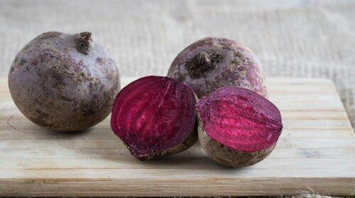 Два простых и полезных салата из свеклы, вкус которых удивит даже самых изысканных гурманов