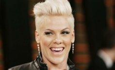 Престаріла Pink з'явилася на премії People's Choice Awards з дітьми і чоловіком