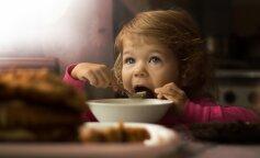 5 звичних продуктів, які ні в якому разі не можна давати дітям