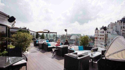 атмосфера ресторан на крыше
