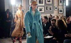 burberry-summer-spring-2018-ldn-fashion-week-shows-sn-main-l