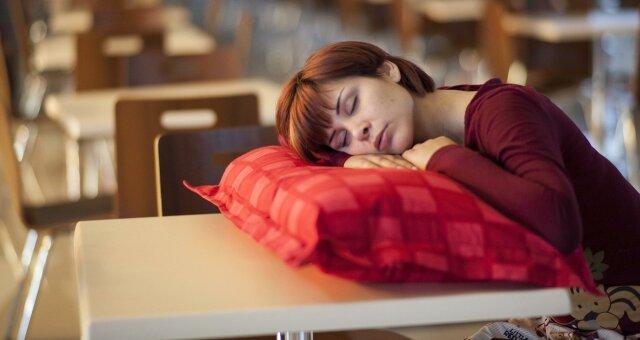 Длительный сон приводит к инсульту