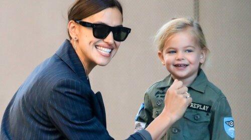 Ирина Шейк вывела маленькую дочь на улицу в платье принцессы и очаровала публику (ФОТО)
