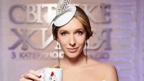 Бузковий костюм і білий капелюшок: стильний образ Каті Осадчій викликав захват у Мережі