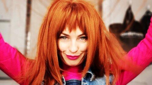 Звезда «Дизель-шоу» Виктория Булитко показала стильные осенние образы с джинсами – каждый день разная