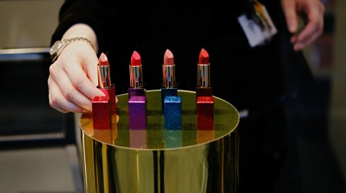 Тест для леди: выбери самый красивый для тебя цвет помады и узнай тайну своей личности