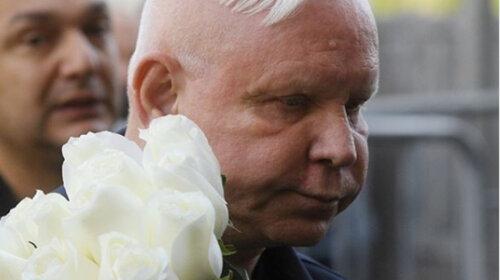 66-річний Борис Моиссев із застиглим від паралічу обличчям привітав жінок з 8 березня - добре, що це не всі побачили (ВІДЕО)