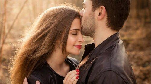 Почему люди закрывают глаза во время поцелуя